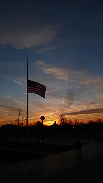 337px-US_halfstaff_sunset